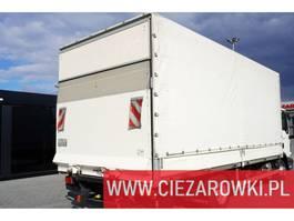 huifzeil vrachtwagen Jung E tarpulin body + Dhollandia 1.000kg , remote , 6 x 2,5 x 2, 2018