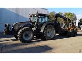 standaard tractor landbouw Valtra T182 2010