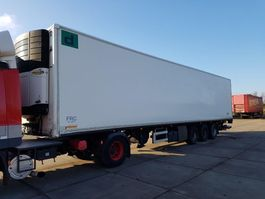 koel-vries oplegger Fruehauf 3 AXLE FRIGO CLOSED BOX CARRIER 2004