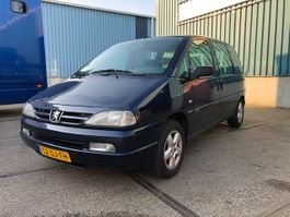 mpv auto Peugeot 806 2.0 SR 7-SEATER WITH AIRCONDITIONING AND MANUAL GEARBOX 1999