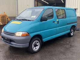 gesloten bestelwagen Toyota Hiace 2.4TD Double Cab Long Chassis LWB Good Condition 2001