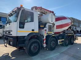 betonpomp vrachtwagen Iveco Eurotrakker 410 410E44H CIFA 28m/9mc 2003