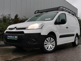 gesloten bestelwagen Citroën Berlingo 1.6 hdi 90  xl club, pdc 2014