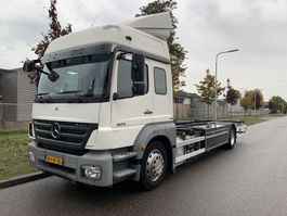 chassis cabine vrachtwagen Mercedes-Benz Axor 1829 LL ONLY 232.000 KM !!! 2009 BJ !!! 2009