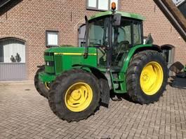 standaard tractor landbouw John Deere 6310 2000