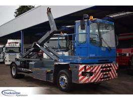 containersysteem vrachtwagen MOL HM 220, Terminal container lifter, Truckcenter Apeldoorn 2010