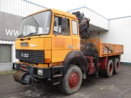 platform vrachtwagen Iveco MD 260-30 AHW , V8 , HIAB Crane 190A , Front wrinch , full spring suspen... 1987