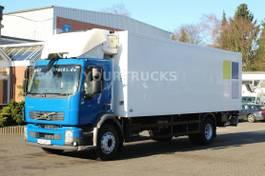 koelwagen vrachtwagen Volvo FL 240 E5 Carrier Supra 950Mt /Tri-Multi-Temp. 2010