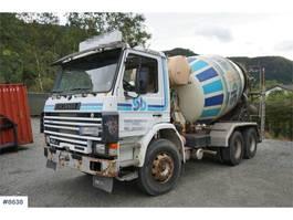 betonmixer vrachtwagen Scania P92 92H 6x2 Concrete truck with 7m3 drum. 1987