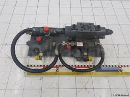 hydraulisch systeem equipment onderdeel Grove Valve steering GMK 3050