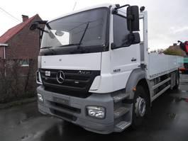 platform vrachtwagen Mercedes-Benz Axor 1829 1829LL Open laadbak met kooiaapaansluiting 2009