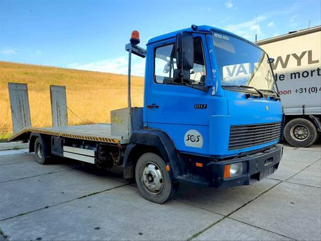takelwagen-bergingswagen-vrachtwagen Mercedes-Benz 814 1992