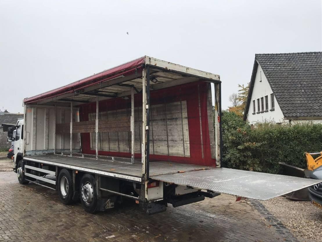 schuifzeil vrachtwagen Volvo FM9 2006