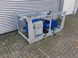 waterpomp machine BBA PT90E 400 V in stapel frame 2013
