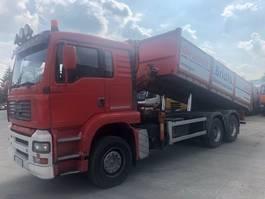 kipper vrachtwagen > 7.5 t MAN 26.460 6x4 kipper mit crane year 2003 390000km 2003