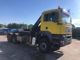 kraanwagen MAN 26.410 hook container mit crane 6x6 year 2004