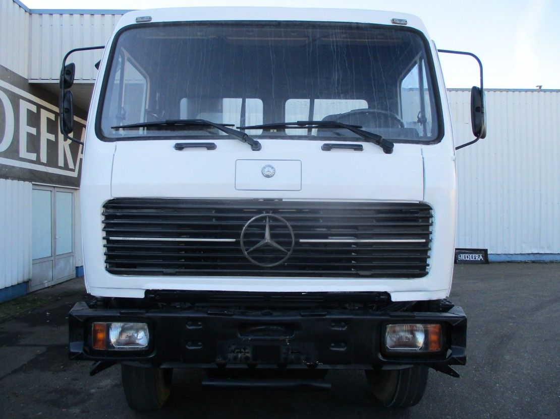 chassis cabine vrachtwagen Mercedes-Benz 2235 , V8 , ZF Manual , Spring suspension , Airco , 6x4 1988