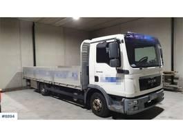 platform vrachtwagen MAN TGL 8.220 flatbed truck 2010