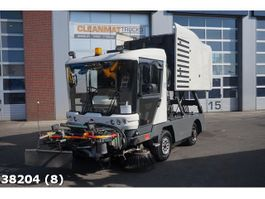 Veegmachine vrachtwagen Ravo 530 CD Euro 5 with 3-rd brush 2011