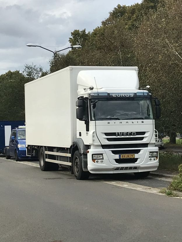 bakwagen vrachtwagen > 7.5 t Iveco AD190S31/P 2010