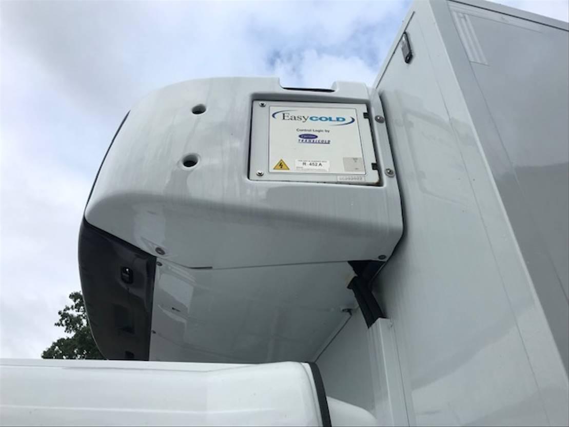 koelwagen vrachtwagen Mercedes-Benz Atego 1324 L / Carrier / Iso Box 2 compartiment / NEW! 2018