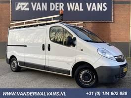 gesloten bestelwagen Opel Vivaro 2.0CDTI 115pk L2H1   Omvormer   Airco, imperiaal, trap, trekhaak,... 2014