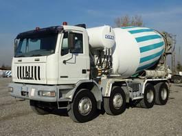 betonmixer vrachtwagen Astra HD7 8438
