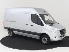 gesloten bestelwagen Mercedes-Benz Sprinter 315 L2H2 150PK 9-TRAPS AUTOMAAT 3500 KG TREKGEWICHT!! AIRCO GROOT NAVIGA...