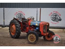 standaard tractor landbouw Ford Dexta