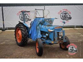 standaard tractor landbouw Ford Super Dexta