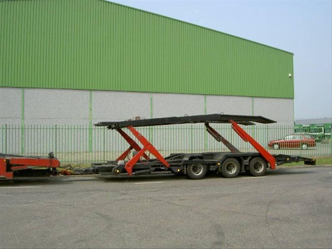 autotransporter vrachtwagen Mercedes-Benz 1840 Mercedes truck transporter
