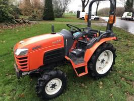 standaard tractor landbouw Kubota KB18