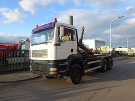 containersysteem vrachtwagen MAN TGA 26.410 6X4 HAAKSYSTEEM / HOOKSYSTEM / HANDGESCHAKELD / BLAD / EURO 3 / LOW KM !! 2004