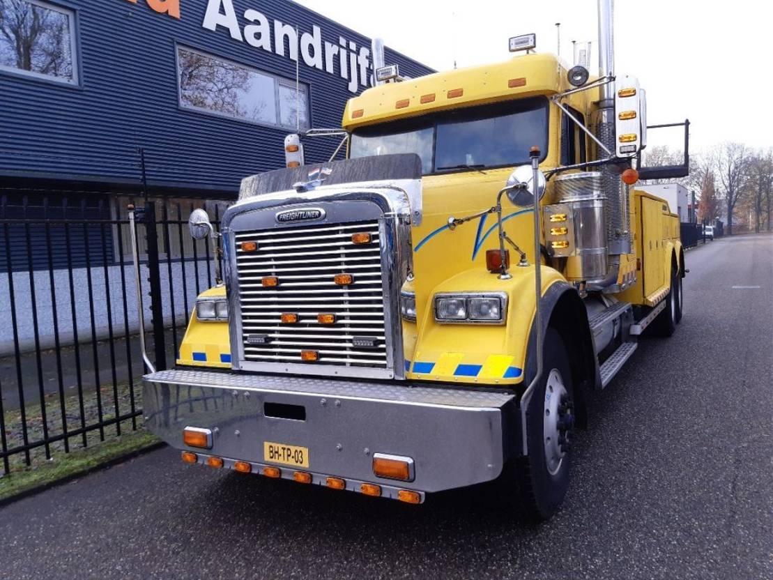 takelwagen-bergingswagen-vrachtwagen Freightliner FLD120 1999