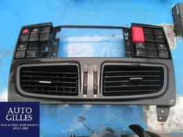 Elektra vrachtwagen onderdeel Iveco Ventilationsrahmen + Schalter 504309993 / 50436222 2015