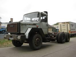 chassis cabine vrachtwagen Iveco 330-26    water cooled / avec radiateur 1989