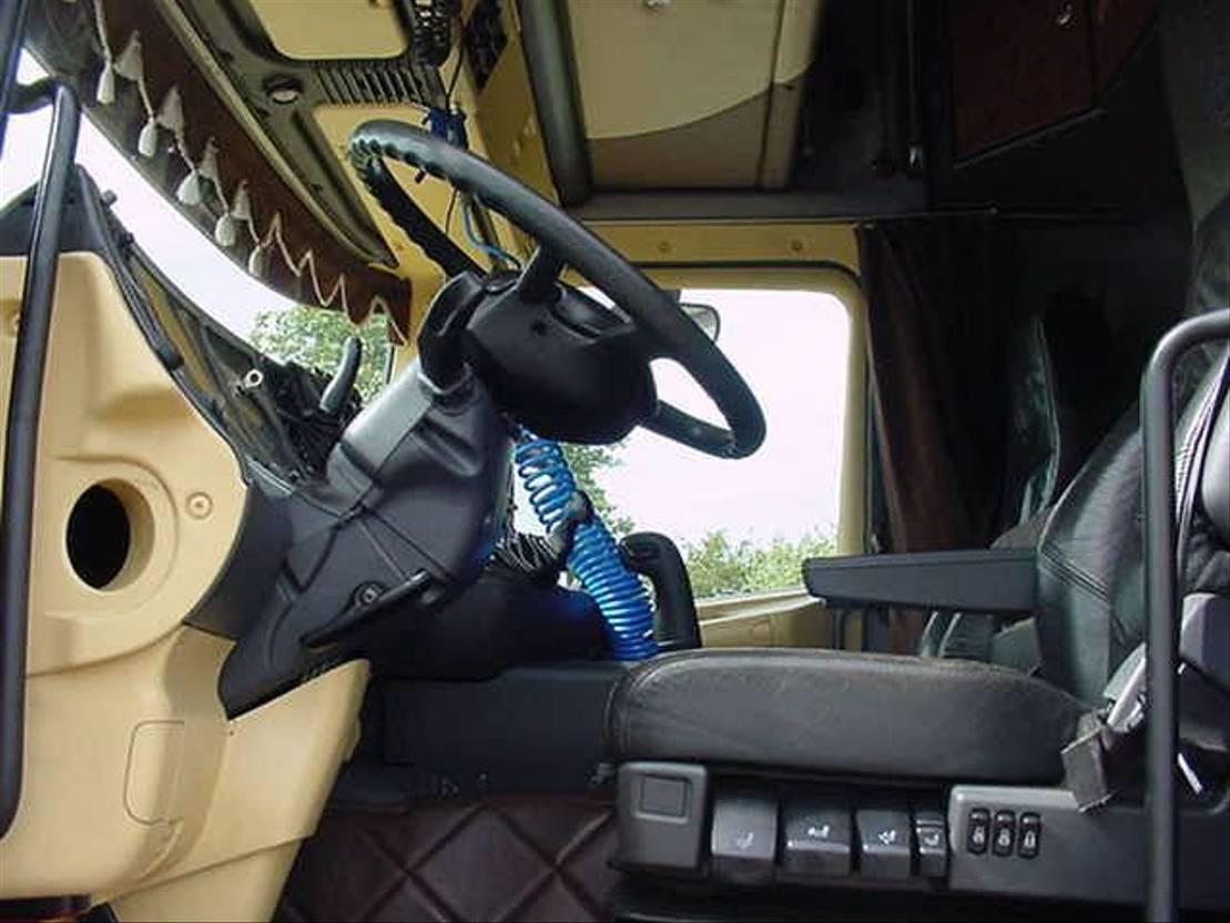autotransporter vrachtwagen Scania 164 480 EURO 3 6X2 TRUCKTRANSPORTER 2004