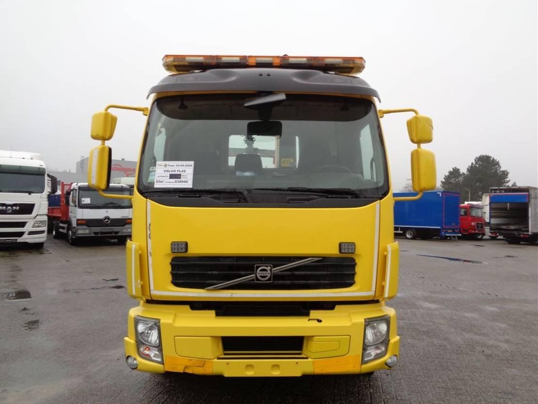autotransporter vrachtwagen Volvo FL 42 + PTO + Palfinger Crane 2009