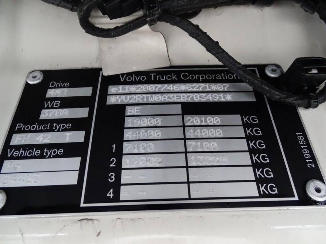 gevaarlijke stoffen trekker Volvo FH 420 FH4- / SLEEPING CABIN / AUTOMATIC / ADR / EURO-6 / 2014 2014