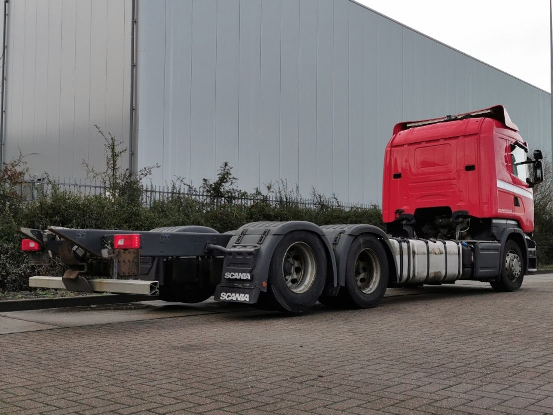 chassis cabine vrachtwagen Scania R520 6x2 twin tire boogie 2015