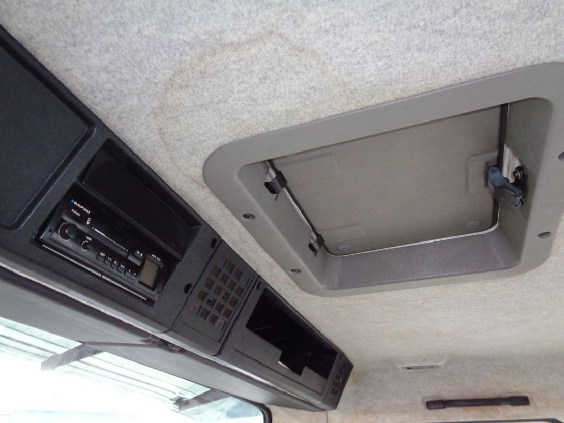 paardenvrachtwagen Volvo FL611 + Manual + Horse transport 1991