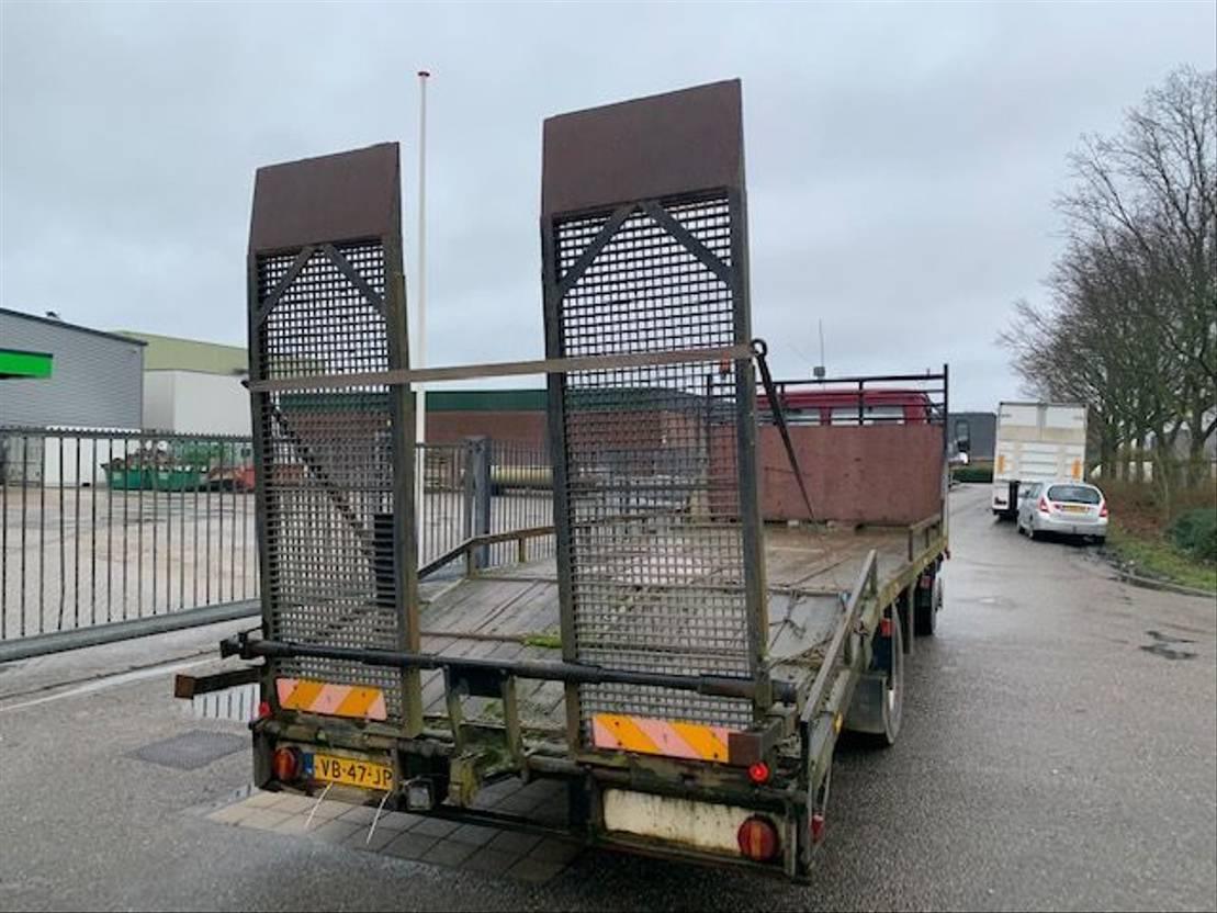 autotransporter vrachtwagen Mercedes-Benz 1317 steel suspension  possible to load truck or machine 1988