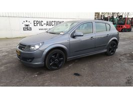 hatchback auto Opel Astra 1.6i 2004