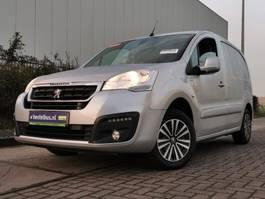 gesloten bestelwagen Peugeot PARTNER 120 hdi 100 premium, air 2016