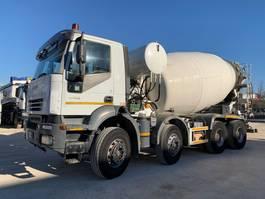 betonmixer vrachtwagen Iveco Trakker 410T44 CIFA 13mc 2006