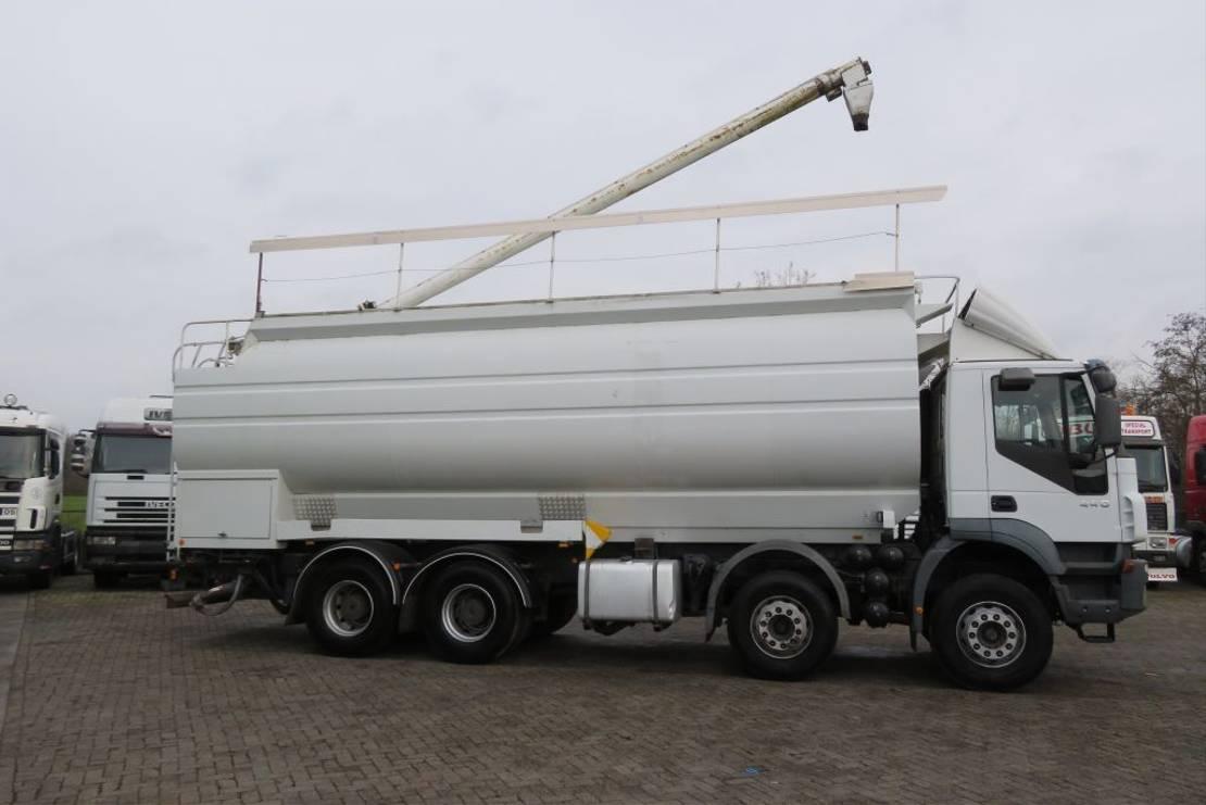 silo vrachtwagen Iveco TRAKKER Food silo Auger + AIR ! 6 comp. TOP STATE TRUCK (TUV till 12/03/2021) 2006