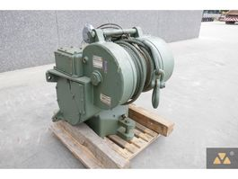 lier Caterpillar Winch D7