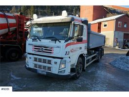 containersysteem vrachtwagen Volvo FM 420 6x2 / 2 Hook truck with dumper box. Few km. 2012