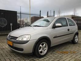 hatchback auto Opel Corsa 1.2-16V Comfort 2001