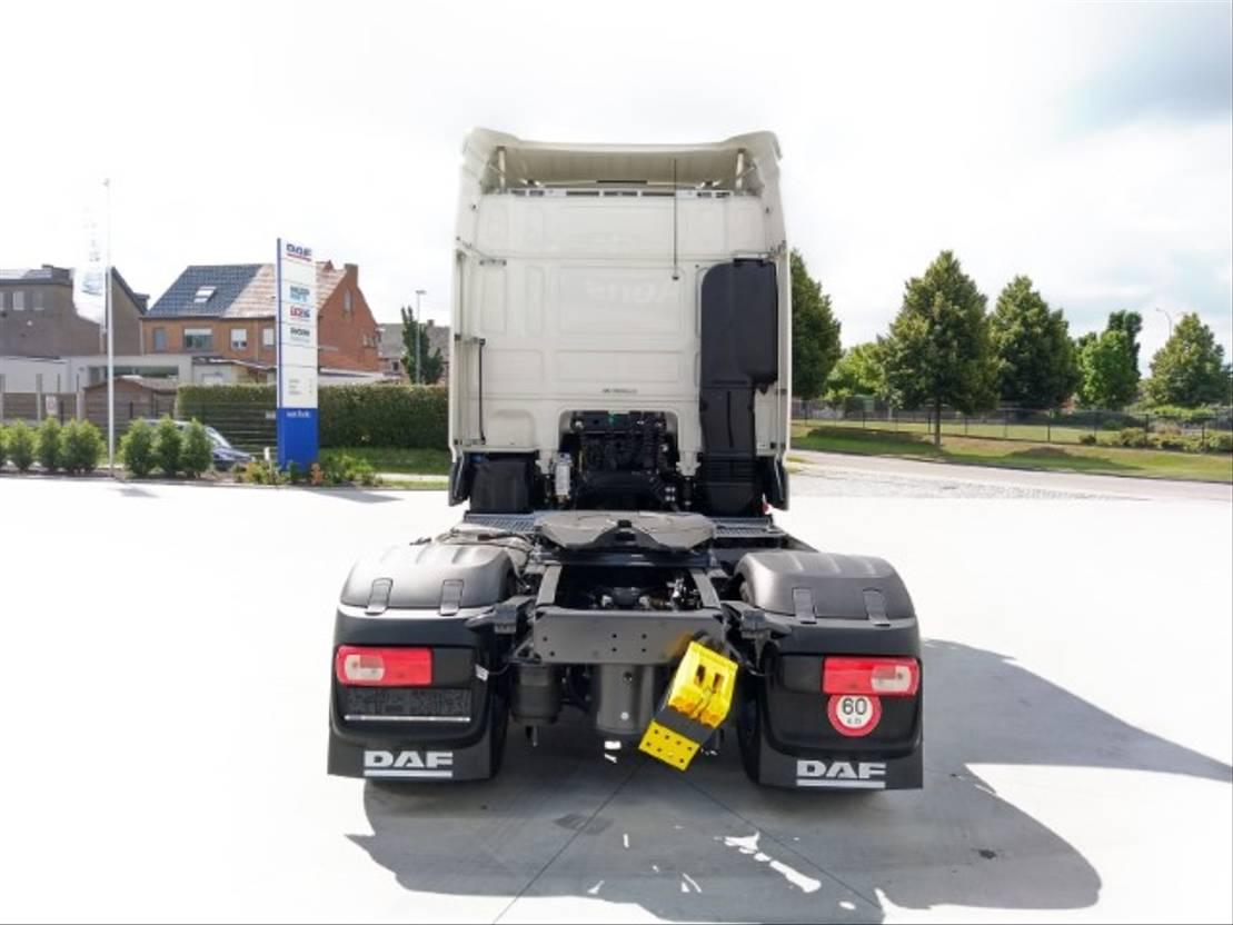 gevaarlijke stoffen trekker DAF XF 480 FT - Space Cab - TraXon - ADR AT+FL+EXII/III - DAF Connect 2021